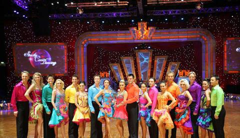 strictly-come-dancing-live-cast-strictly-come-tj5X5l.jpg